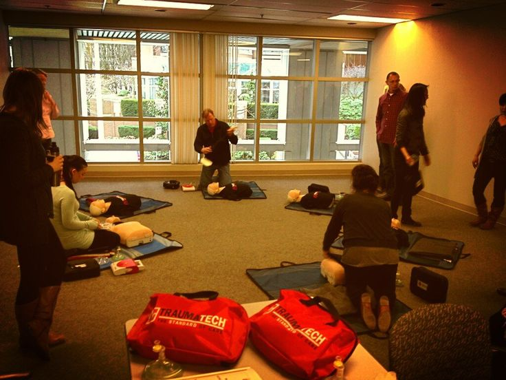First Aid recertification: can you spot the TT person?    Twitter / Andrealianma: After 5 sets of compressions, ...