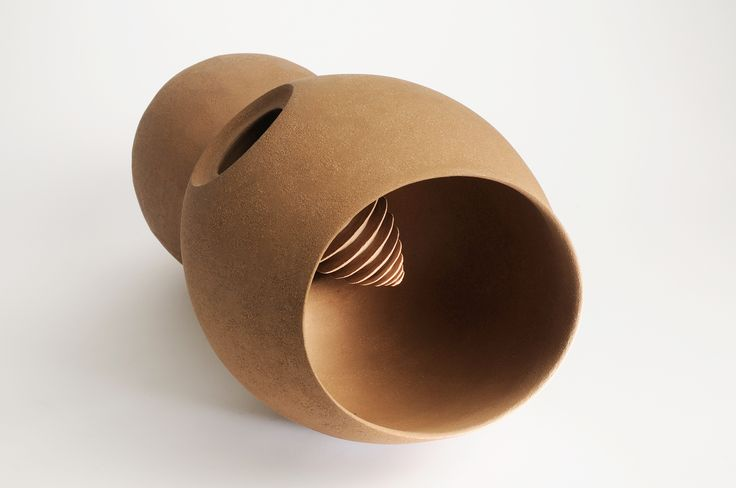 "Hybride Brune"" par Martine Polisset © J.J L'Héritier #céramique #ceramic #ceramics #keramik #ceramica #contemporaryceramics #ceramicart #handmade #faitmain #handcrafted #création #creation #creations #maker #craftmanship #contemporary #contemporain #SalonRevelations #metiersdart #inspiration #sculpture #sculptures #陶瓷的 #雕塑 #工藝"