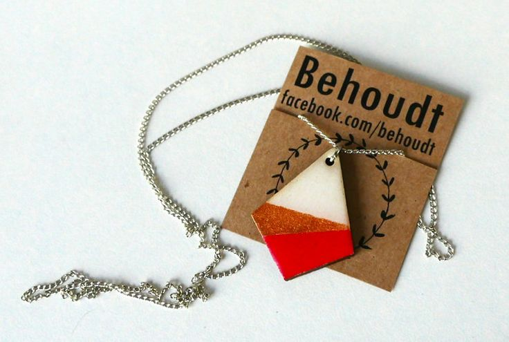 Red, white and gold wooden pendant by Behoudt