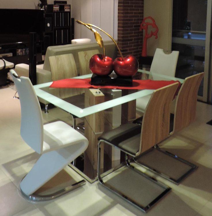 TIPSARTECO: Atrevete a combinar varios tipos de sillas en tu comedor, y personaliza tu espacio!!!