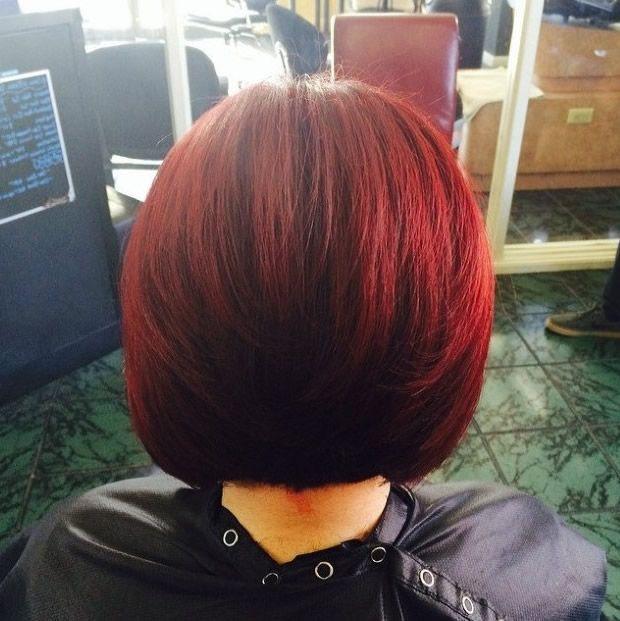 vista posterior de peinado bob rojo 2015