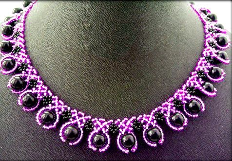 Free pattern for beautiful beaded necklace Elena