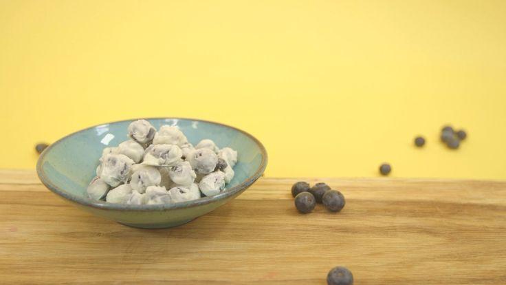 Yoghurtsnoepjes met blauwe bessen