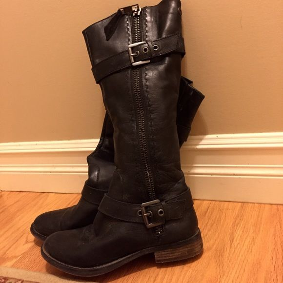 Steve Madden Sonnya boots Steve Madden all black tall boots- barely worn! Worn inside at the mall only when I worked for bare minerals so they are in very good condition. Only selling because they are a little too snug for me. Real leather & super cute! Steve Madden Shoes Combat & Moto Boots