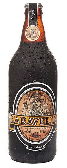 Cerveja Karavelle Barba Negra, estilo Schwarzbier, produzida por Cervejaria Karavelle, Brasil. 4.5% ABV de álcool.