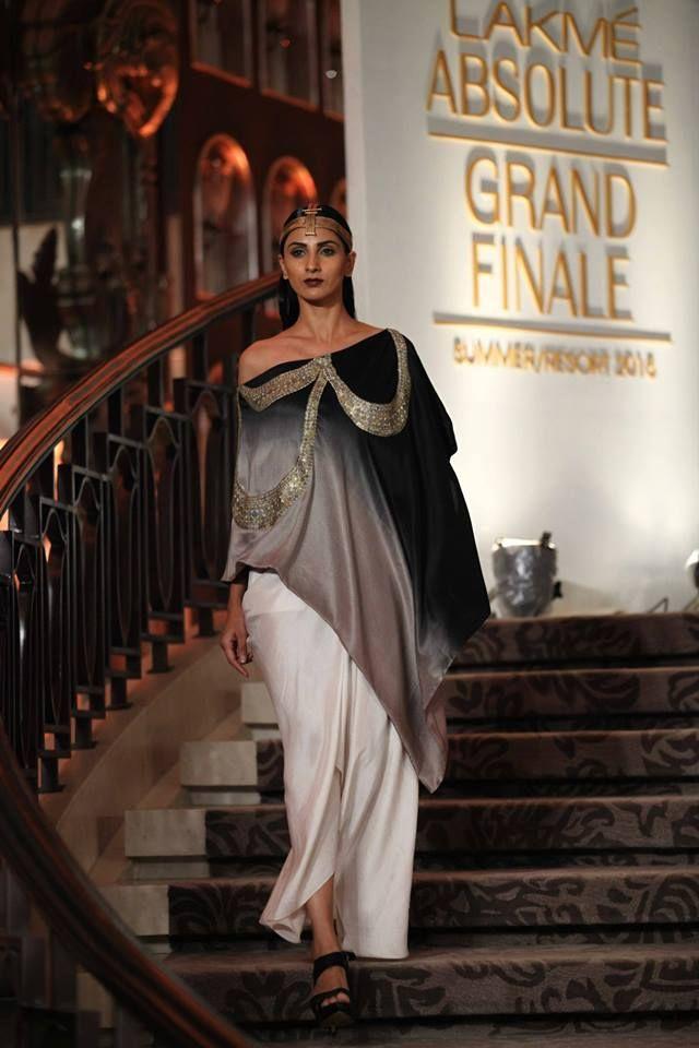 LFW: Anamika Khanna