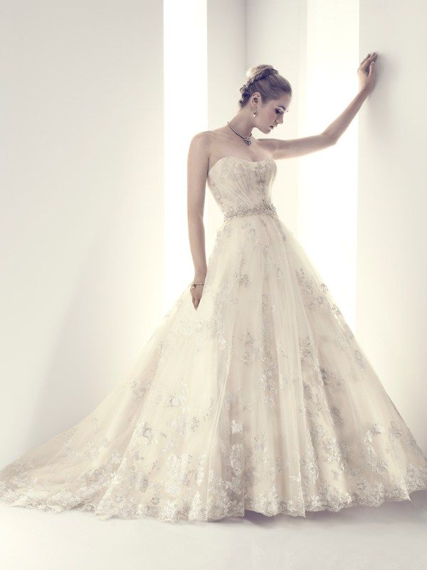 B081 Casablanca Couture Wedding Dress