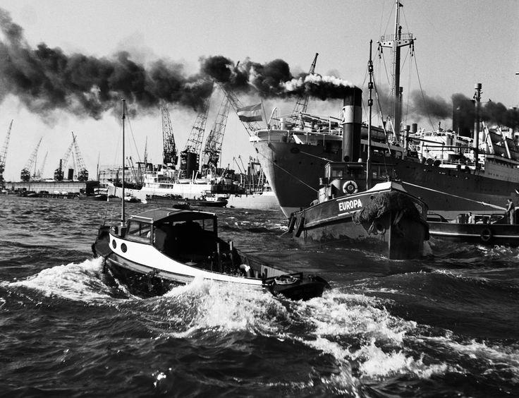 Cas Oorthuys. Rotterdam Harbour. 1952. Gelitan silver print.
