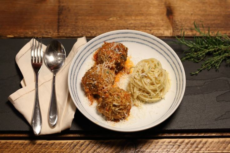 ProWare's Spaghetti and Meatballs Recipe - everything from scratch here. This super healthy recipe is perfect for the whole family.