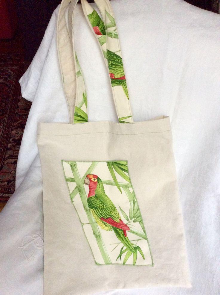 Sac cabas tote bag en lin 42x36cm avec perroquets : Sacs bandoulière par pascaline-creations