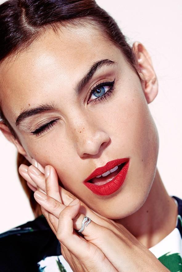 Alexa Chung // red lips