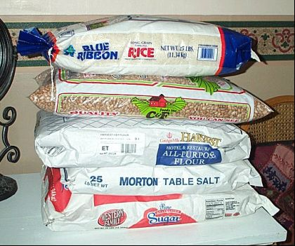 """""""One year supply of food...cheap, easy, compact."""" One of the best articles I've read on easy to get together prepping."""