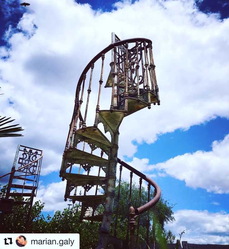 #Repost @marian.galy ・・・ Stairway to Heaven... #ph #photos #photographer #photography #photo #nature #nature  #naturelovers #naturaleza #photoday #photonature #ruinas #campanopolis #rejas #sky #bluesky #blueskys #fotos #fotografia #fotografias #foto #escalera #escaleras #escaleraalcielo #cielo #cielos #fotografiando #pic #picoftheday #phew