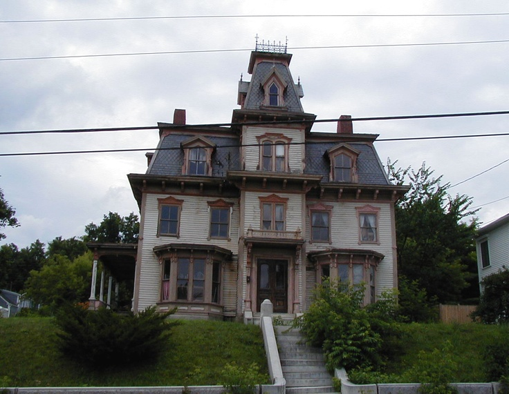 23 best images about Haunted Victorian Houses on Pinterest ...