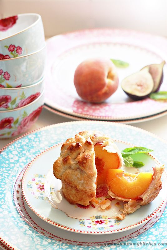 Individual Whole Peach Pies by yummymummykitchen #Pie #Peach #Mini_Pie