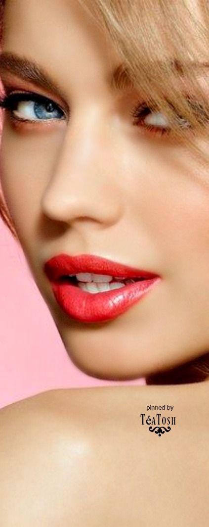 Téa Tosh Perfect lips!