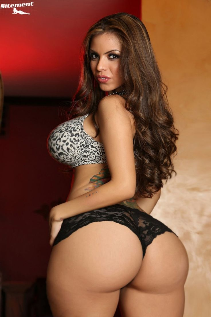 Big Ass In Lingerie 65