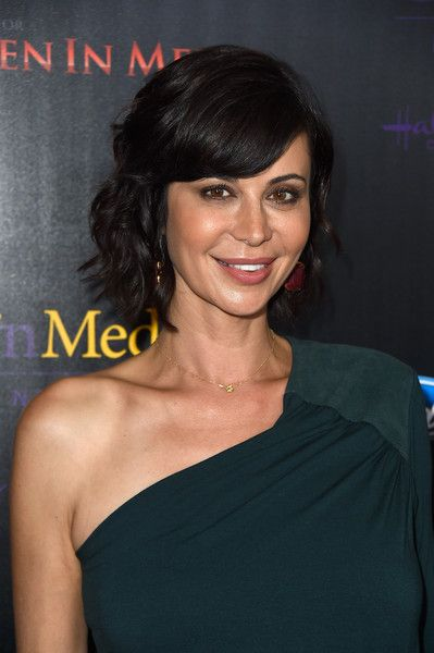 Catherine Bell Photos - Actress Catherine Bell  arrives at the 40th Anniversary Gracies Awards at The Beverly Hilton Hotel on May 19, 2015 in Beverly Hills, California. - 40th Anniversary Gracies Awards - Arrivals