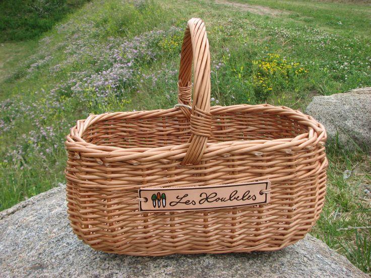 Houbařský košík klasických tvarů. Značka Les Houbeles.