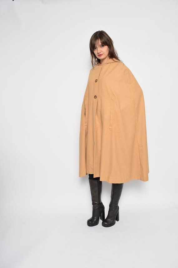 Label: n/a - Era: 1970s - Color: light brown - Fabric: wool - Condition: very good. Ready to wear. - Tag Size: - Fits: medium/small MEASUREMENTS: •Length: 43.3(110 cm) Model is 5.7 feet (174 cm) height. →→→ Free shipping for all orders over $150! Coupon code FREESHIP←←← 304