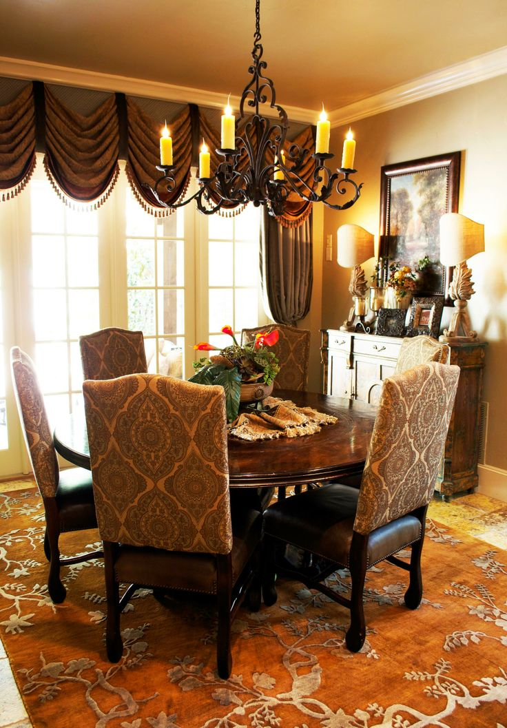 Formal dining area. See more home design ideas and inspirations here: http://www.delightfull.eu/