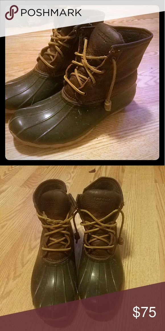 Sperry's Women's Saltwater Duck Boot (New Quality) Waterproof yet fashionable women's boots in a size 8.5 Only worn once for a few moments. Sperry Shoes Winter & Rain Boots