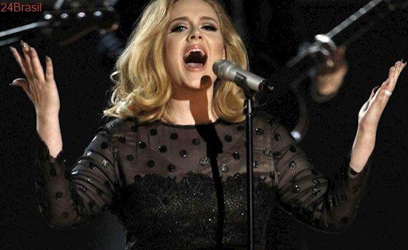 Adele interrompe show após ver fã sofrendo uma parada cardíaca