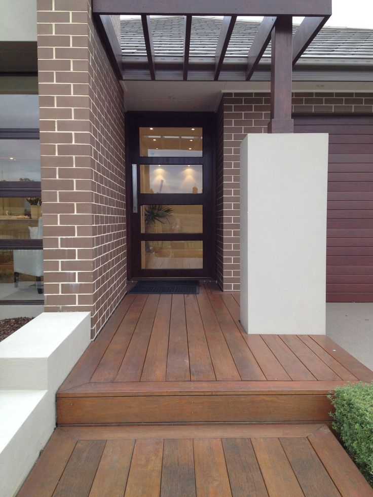 Love raised timber decking entry way sunshine house for Front entry decks