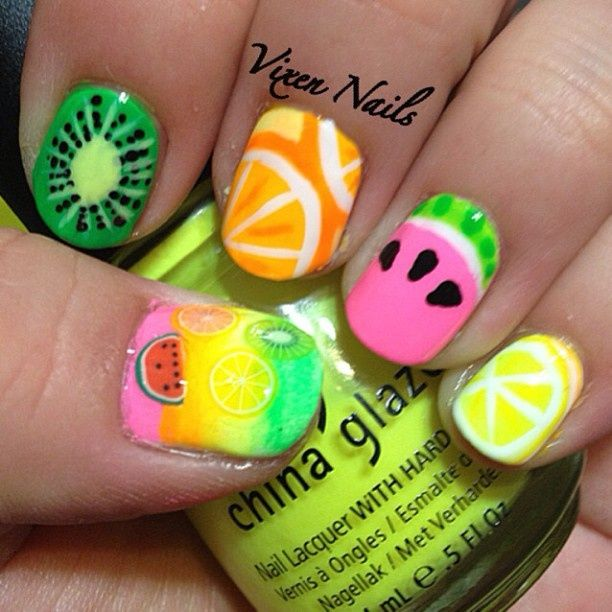 I love the brilliant color used for this nail art! The design and colors are perfect for summer.