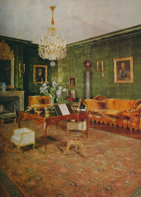 Both the walls and molding in this Georges Geffroy-decorated room were covered in green velvet.