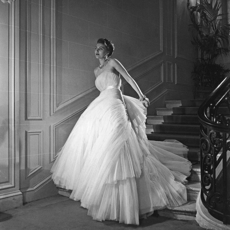 Christian Dior Wedding Gowns: Pin By Emma Walton On Vintage Christian Dior Wedding Gowns