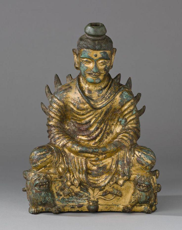 坐在釋迦牟尼佛的禪與禪中,手印手並用燃燒的肩膀|哈佛藝術博物館 H. 32 x W. 24 x D. 13 cm (12 5/8 x 9 7/16 x 5 1/8 in.)