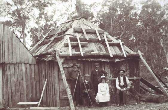 Historical Description of Australian Settlers Homes  1800's