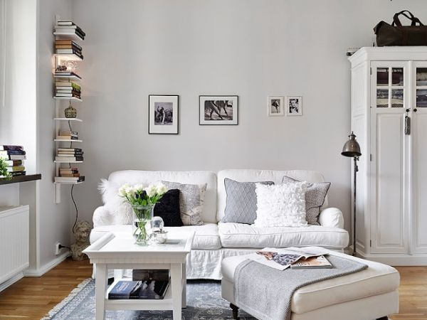 This is SUCH an adorable studio apartment! CLICK for more pix and a tour of each part of the place! Btw I want that lamp!