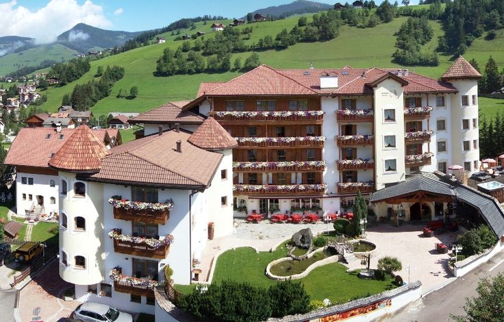#Wellness Hotel Almhof Call ****s #Urlaub #Pustertal #Südtirol #Dolomites www.facebook.com/suedtirolerleben