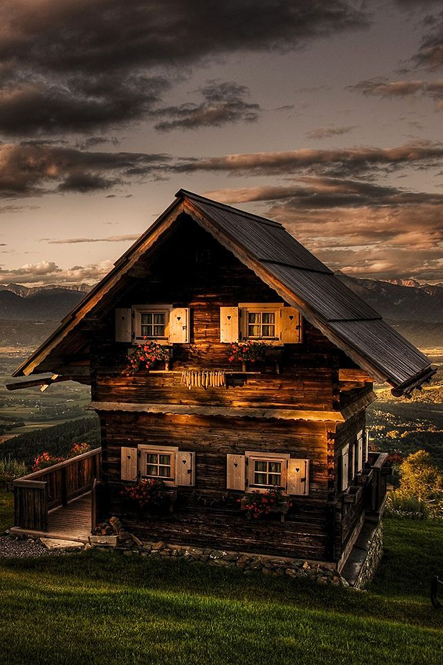 83 best images about swiss chalets mountain huts and for Mtn chalet