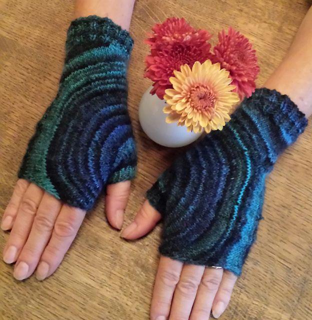 Fingerless Gloves Knitting Pattern Ravelry : Ravelry: Circle Mitts pattern by Sybil R Knitted gloves, fingerless mittens...
