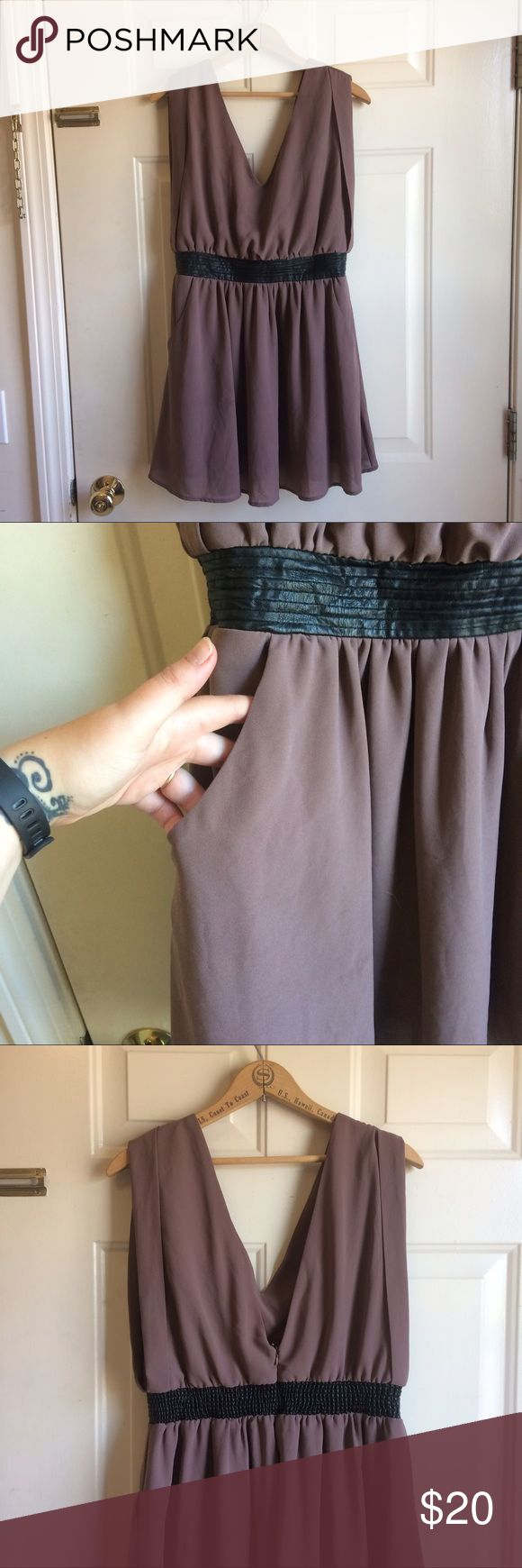 Mauve Blousy Tunic with Pockets Wonderful tunic with lots of space for the girls! Too big for my ta-tas, only worn a few times. Faux leather stretchy waistband. Measurements- bust 22, waist 16, length 32. Labeled modcloth for visibility. ModCloth Tops Tunics