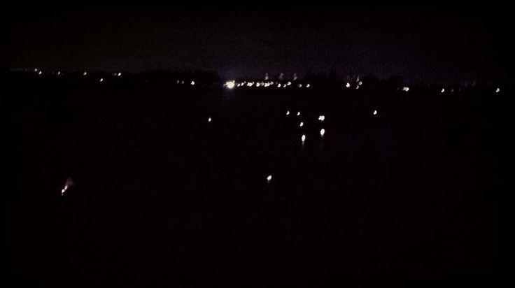 Båd lanterne sejler afsted #ishøjnaturcenter #LygternesNat