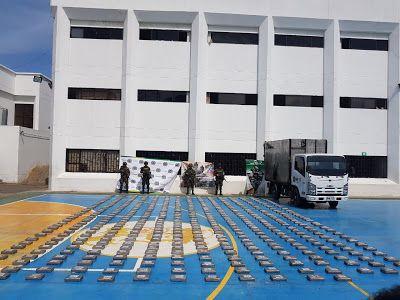 Ejército y Policía Nacional incautan 498 kilos de clorhidrato de cocaína en La Guajira