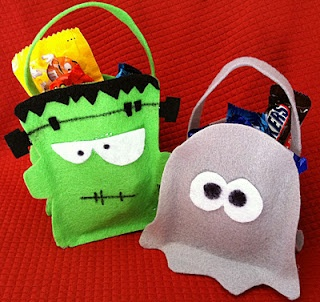 Halloween Goodie Bag Tutorial & FREE Pattern  ~  These no-sew goodie bags were super easy