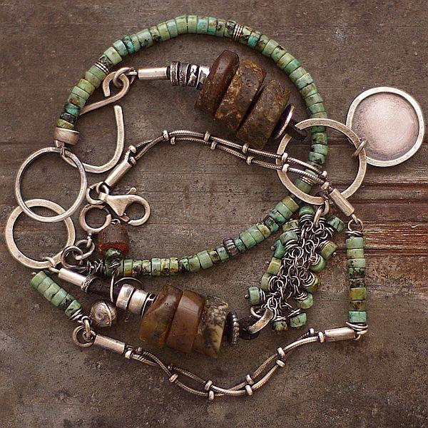 a green and amber - cobalt blue ewa lompe biżuteria autorska .