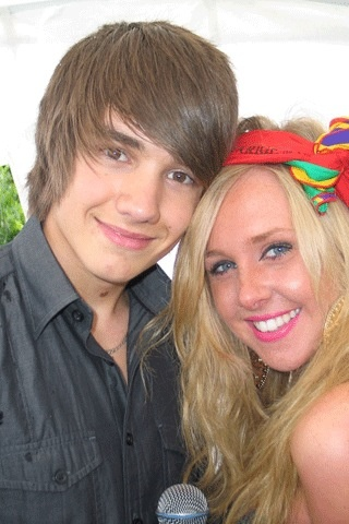 AWWWW! Liam Payne with his sister Ruth! (1D)
