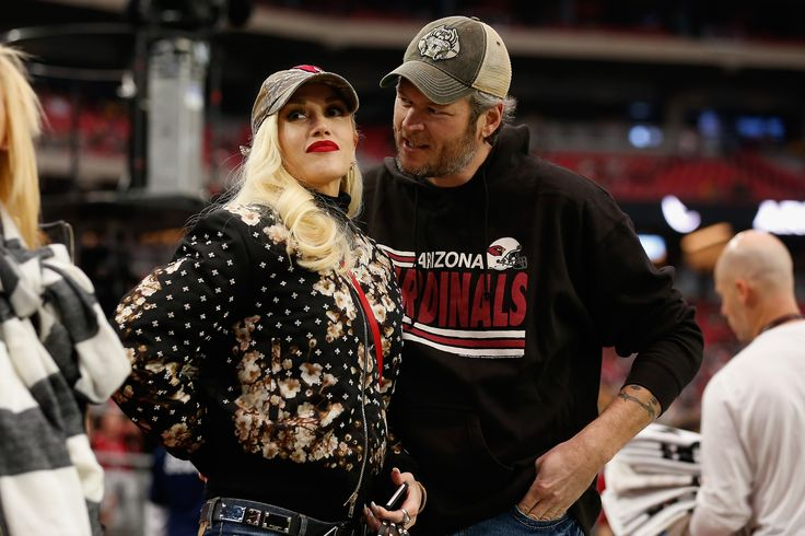 GLENDALE, AZ - DECEMBER 27:  Musicians Gwen Stefani and Blake Shelton attend the NFL game between the Green Bay Packers and Arizona Cardinals at the University of Phoenix Stadium on December 27, 2015 in Glendale, Arizona.  (Photo by Christian Petersen/Getty Images) via @AOL_Lifestyle Read more: http://www.aol.com/article/2016/12/02/blake-shelton-gushes-over-gwen-stefani/21619408/?a_dgi=aolshare_pinterest#fullscreen