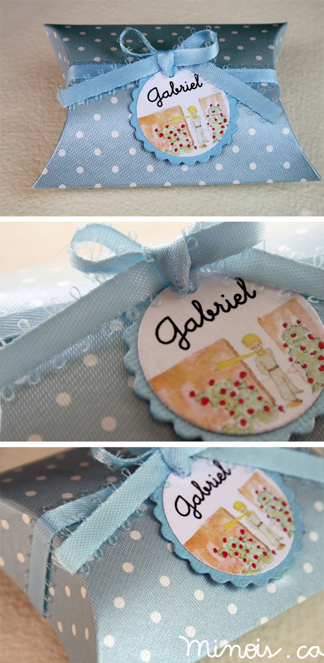 Minois - Blue box with white polka dots