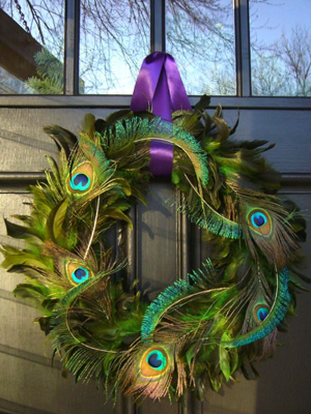 peacock wreathPeacock Feathers, Ideas, Holiday Wreaths, Christmas Crafts, Front Doors, Feathers Wreaths, Mardi Gras, Peacocks Wreaths, Peacocks Feathers