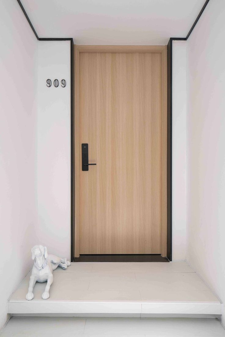Best 25+ Hotel door ideas on Pinterest | Hotel corridor ...