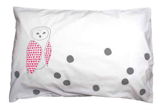 FELIZ Pink Owl Pillowcase | as seen on Nina Proudman's bed (Offspring)