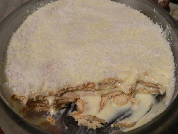 O Pavê de Biscoito Maizena é uma sobremesa prática, econômica e deliciosa. Prepare para a toda a família e receba muitos elogios! Veja Também:Pavê Fácil d