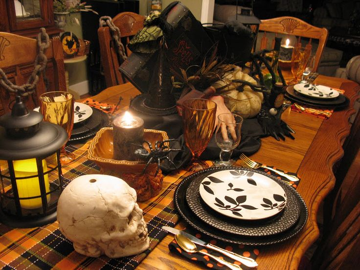 70 best images about sandra lee tablescapes on pinterest thanksgiving tablescapes and decking - Interesting tables capes for christmas providing cozy gathering space ...